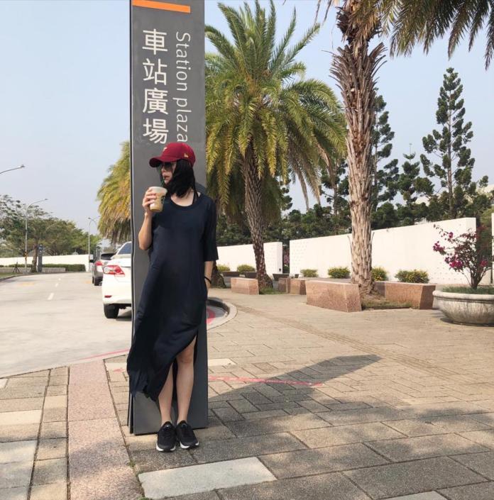 <br> ▲徐若瑄現身台南高鐵站,連生日也在工作。(圖/翻攝徐若瑄臉書)