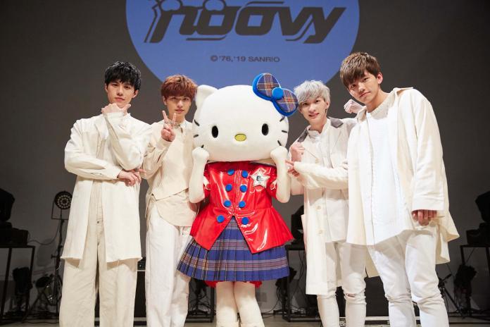 ▲noovy與Kitty一起表演。(圖/伊林娛樂提供, 2019.03.20)