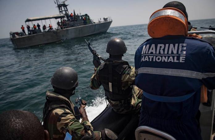 ▲「疾速團結2019」演習(Obangame Express 2019)14至22日在西非甘比亞海岸舉行,我國援助前友邦甘比亞的海鷗快艇也出現在演習中。(圖/美國海軍)