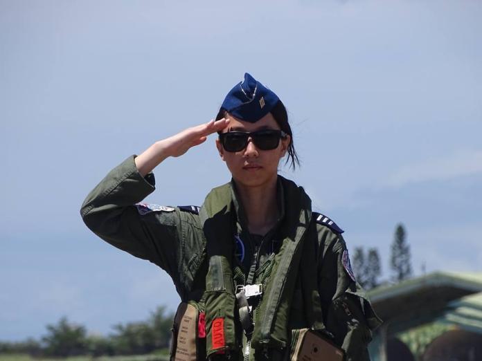 ▲空軍首位幻象機女飛官蔣青樺上尉。(圖/記者呂炯昌攝)
