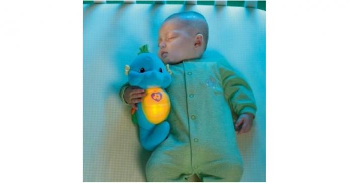 ▲業者針對3個月以上寶寶首推「陪伴入睡最佳良伴-聲光安撫海馬」。(圖/公關照片)