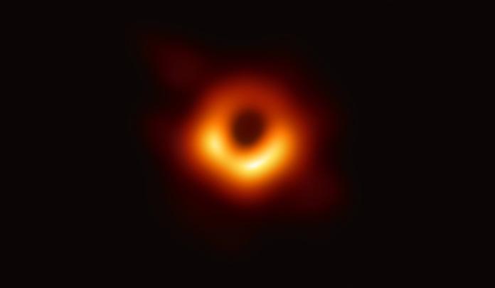 中研院大突破!人類史上黑洞首次曝光 距地球5500萬光年