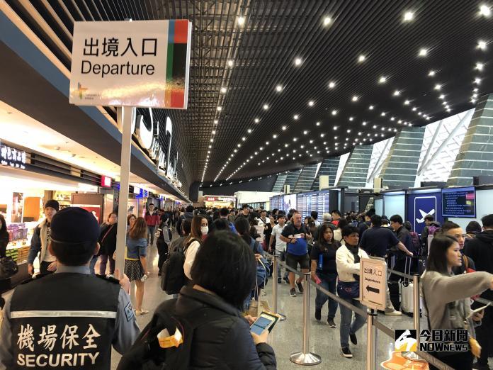 ▲桃園機場容量早已超過負荷,交通部回應,台灣的機場政策需要長遠的規畫,也應配合北、中、南機場輔助。(圖/記者陳致宇攝)