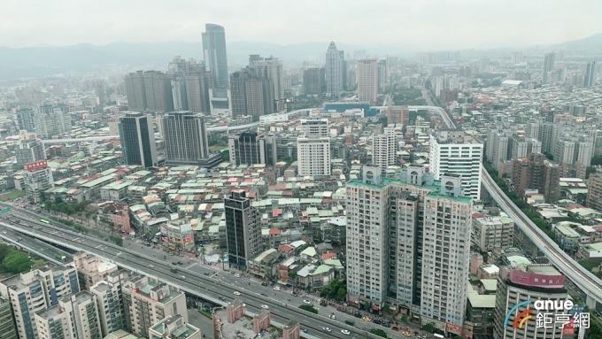 <b>唐榮</b>標售高雄三民區2塊土地 估處分利益1.48億元