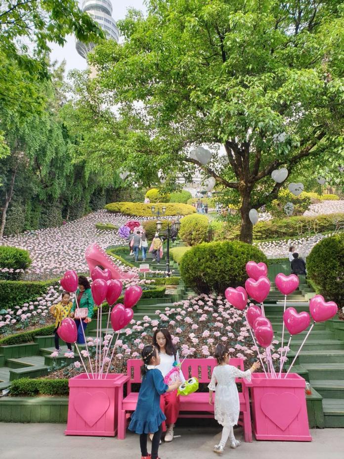 ▲南韓大邱E-world樂園布置用心,每個角落都可以是網美拍照打卡區。(圖/記者許家禎攝,2019.4.27)