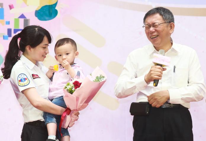 台北市長柯文哲10日出席台北市108年母親節慶祝活動。( 圖 / 記者葉政勳攝,2019.05.10 )