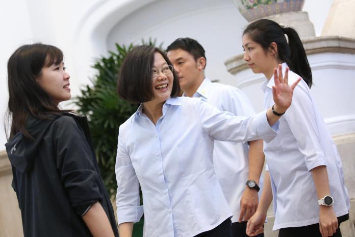針對中國大陸全國政協主席汪洋希望兩岸媒體為兩岸和平統一貢獻力量。總統蔡英文今(12)日表示,汪洋的講話證實了,中國大陸對我們媒體施加壓力。(圖/總統府提供)