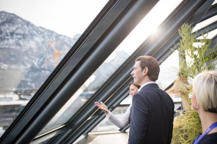 ▲賽巴斯丁.庫爾茨( Sebastian Kurz )當上奧地利總理時才31歲,是世界上最年輕的政府領導人。(圖/翻攝自臉書)