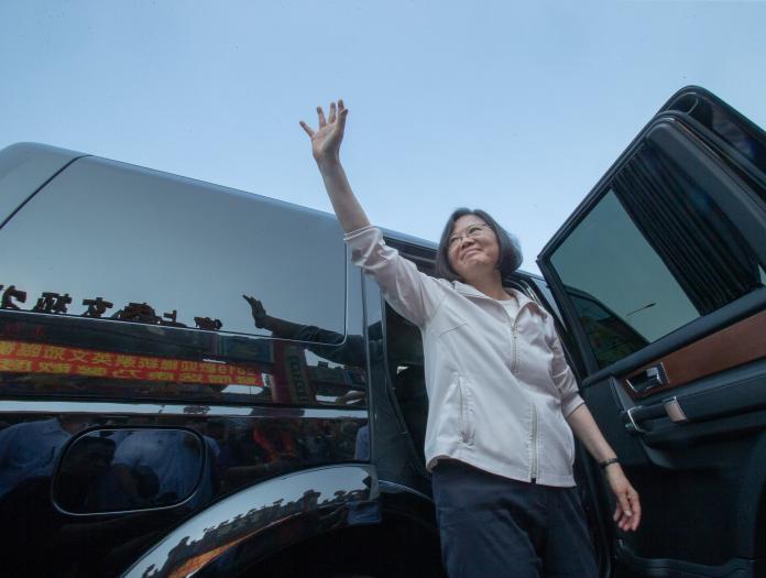 蔡英文執政三周年,台灣政策協會今(20)日民調指出,蔡英文執政滿意度41%。 (圖/NowNews資料照)