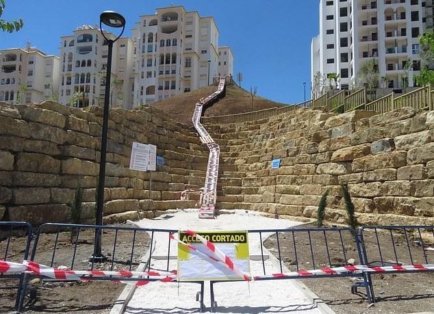 ▲溜滑梯在翌日即被市政府下令關閉。(圖/翻攝自網路)