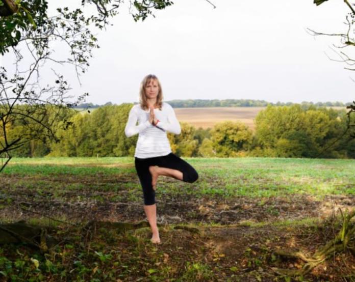 ▲英國一名女子靠著教授瑜珈,從破產身上只剩下200元,重新站上人生巔峰。(圖/翻攝網路)