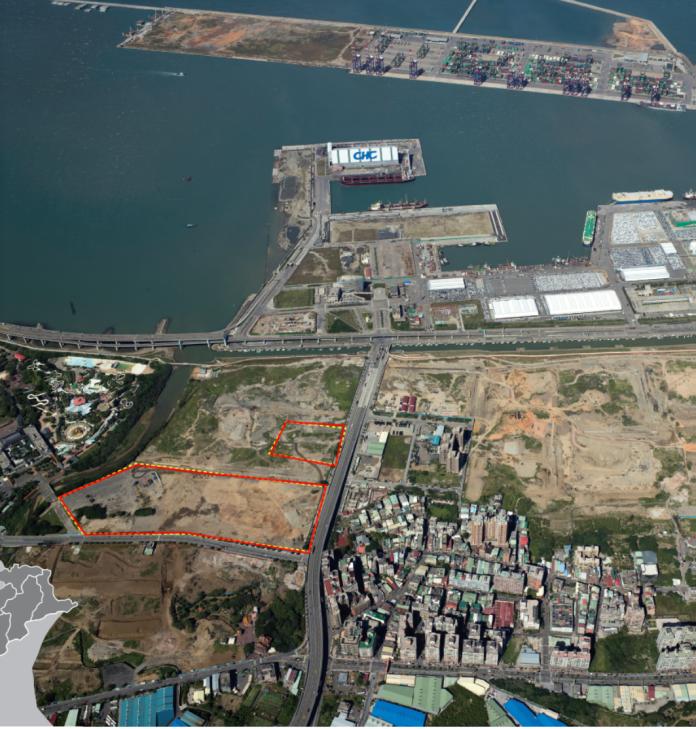 ▲新北市政府原本規畫在八里區台北港的娛樂專用區(紅色框標示)打造「台版迪士尼」樂園。(圖/新北市經發局提供)