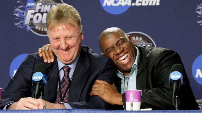 ▲NBA傳奇球星「大鳥」Larry Bird和「魔術強森」Magic Johnson。(圖/美聯社/達志影像)