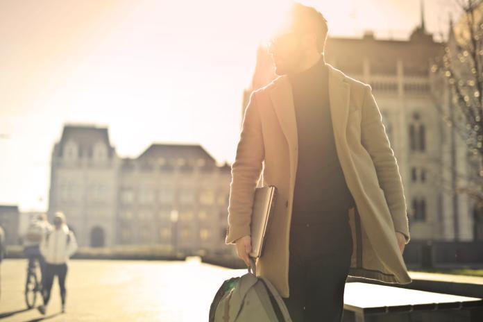 ▲與走路輕快者相比,走路最慢者罹患心臟疾病死亡風險是前者的 2 倍。(示意圖/取自 Unsplash )