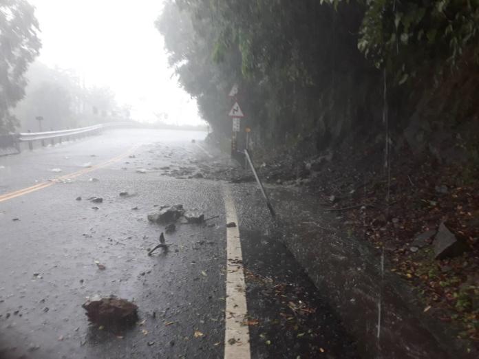阿里山又遭孤立 雷雨讓公路預警性封閉