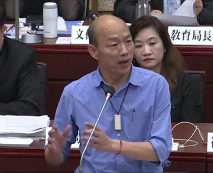 ▲高雄市長韓國瑜今(20)日在議會詢答時表示,高雄需要一座24小時、雙跑道的國際大機場,地點選在彌陀,花費估計須3千億到4千億。(圖/高市議會提供)