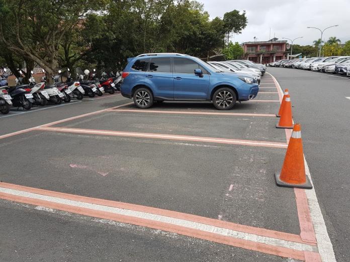 違規佔用「粉紅停車格」 六月底將開罰