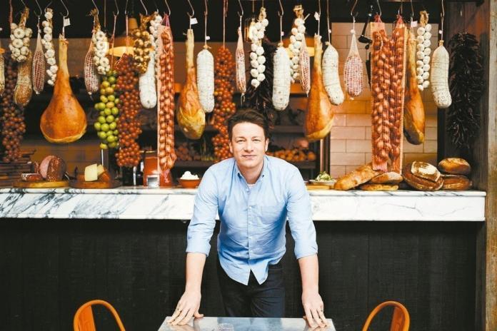 ▲英國名廚Jamie Oliver的餐飲王國宣告破產。(圖/翻攝網路)