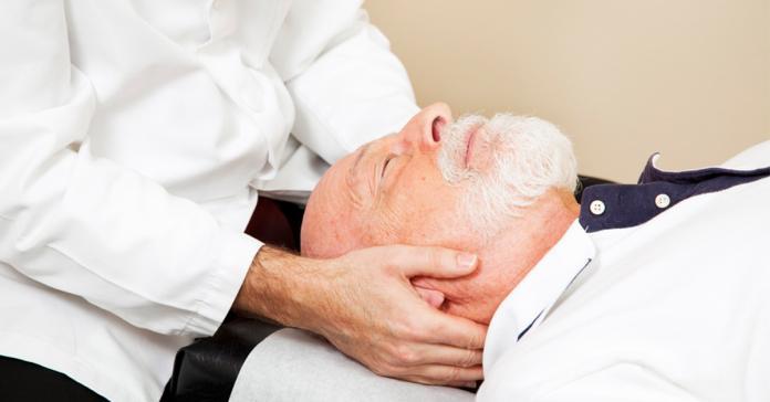 05/22(三):【五月份】40-10新聞:老翁椎間盤突出頸痛手麻 早年車禍病根在作怪