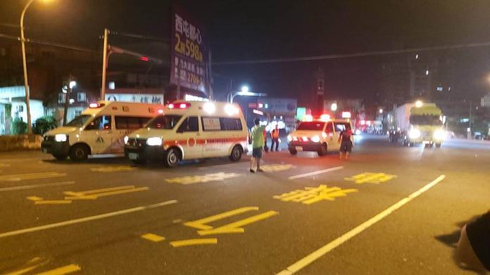 救護車與計程車發生碰撞