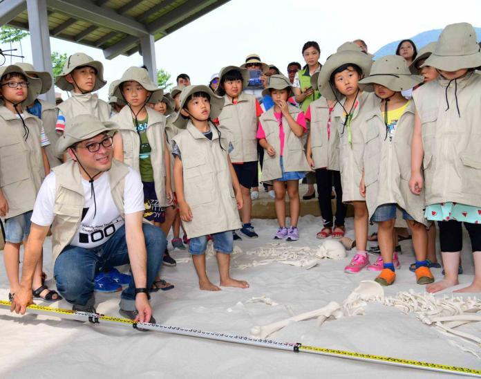 史前地景、全臺最大考古探坑 新北考古公園正式啟用