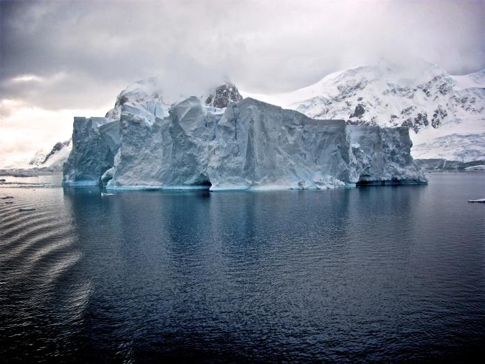 ▲聯合國氣候小組預測 2100 年海平面將上升 52 至 98 毫米,但許多專家認為這項估計趨於保守。(示意圖/取自 Unsplash )