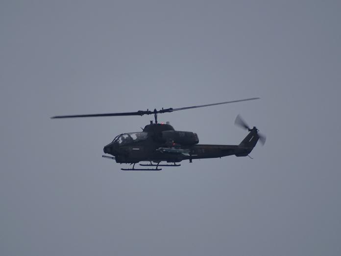 ▲漢光演習彰化戰備道起降演練,AH-1W超級眼鏡蛇直升機實施戰場警戒任務。(圖/記者呂炯昌攝, 2019.5.28)