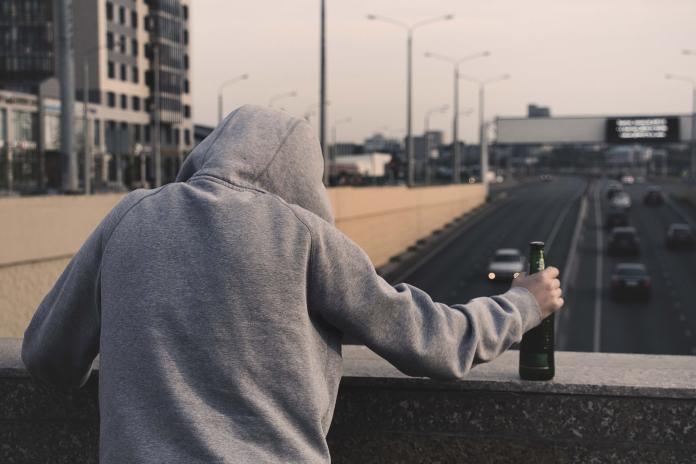 高粱當水喝「3天喝掉一瓶」 男出現這症狀發現患<b>食道癌</b>