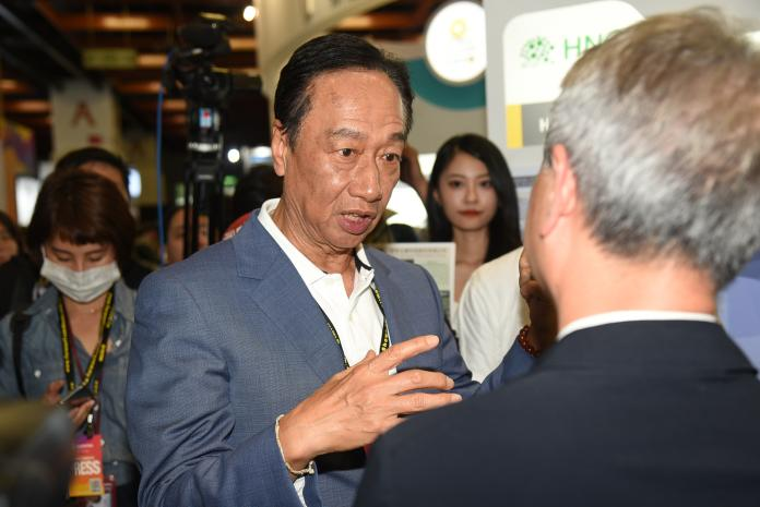 郭台銘談陳水扁 若做錯事就該抓回去關