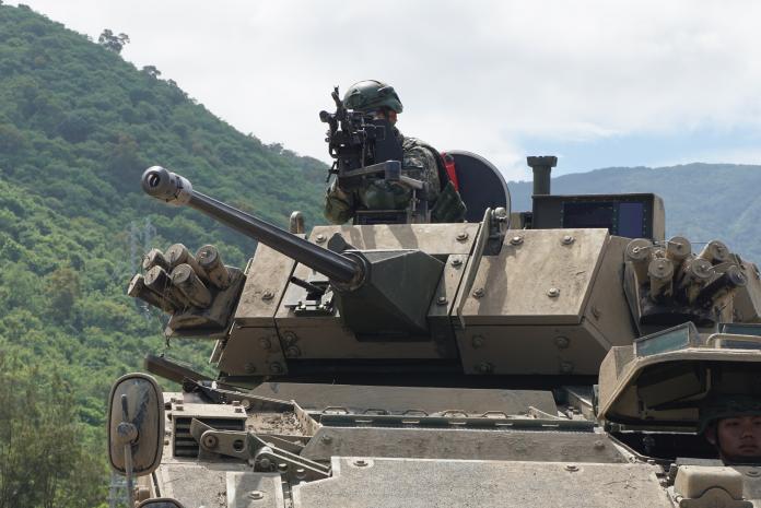 ▲30公厘雲豹甲車使用美製MK44鏈砲,可發射穿甲彈貫穿5公分厚均值的鋼板。(圖/記者呂炯昌攝, 2019.5.29)