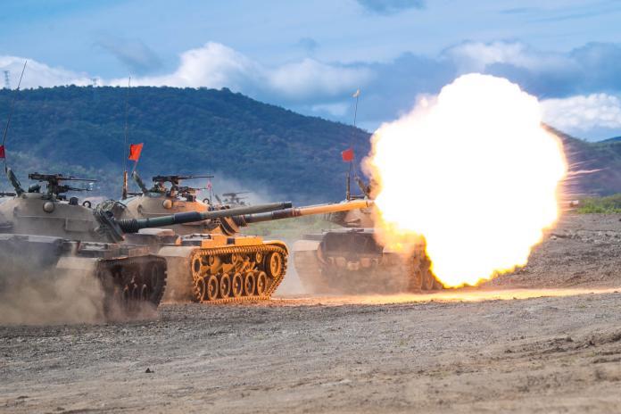▲「漢光35號演習」 聯合灘岸殲敵作戰實彈射擊,CM11戰車射擊。(圖/記者呂炯昌攝, 2019.5.30)