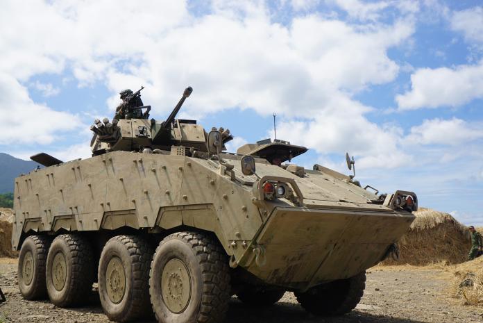 保護總統免被斬首 <b>憲兵</b>加購21輛30機砲雲豹甲車