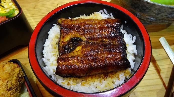 台中「日月水台」    以日本庶民美征服台灣人的胃