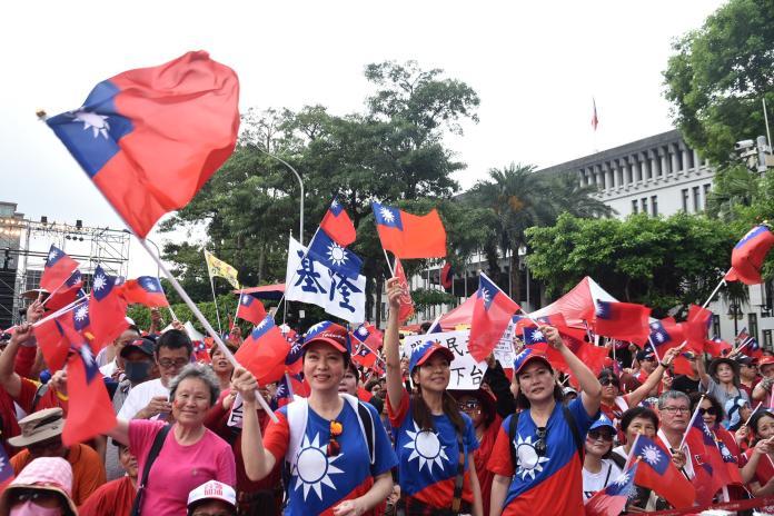 韓國瑜凱道前造勢,主辦單位下午兩點半時宣稱,現場已湧進15萬人。 (圖/NOWnews攝影中心)