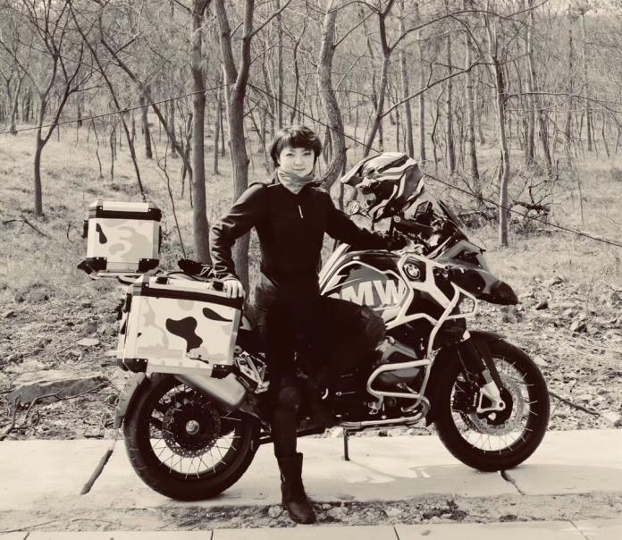 ▲李春輝也說,除了培養雙胞胎女兒外,摩托車成了她生命中不可或缺的一部分。(圖/翻攝自紫牛新聞)