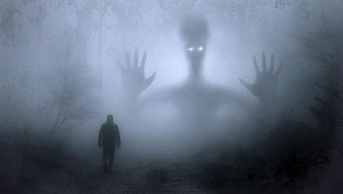 ▲有些人,可以看到、接觸到常人看不到的東西,能夠跟鬼魂進行交流,這些人被統稱為靈異體質者,或者說靈媒。(示意圖/翻攝自 pixabay )