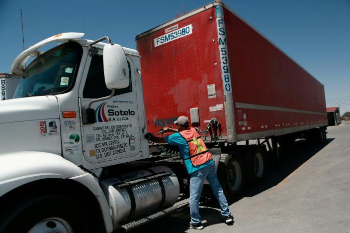 ▲墨西哥對美出口額約占其出口總額的80%,相當於墨西哥國內生產毛額(GDP)的28%。(圖/美聯社/達志影像)
