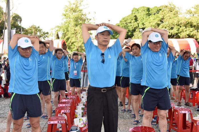 韓國瑜「頭昏」不知反送中?陳瓊華舉前朝官員對比諷7字
