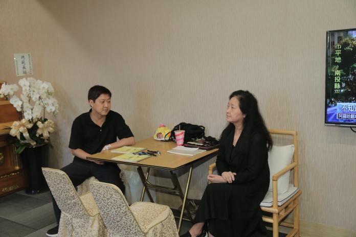 <br> ▲沛小嵐和兒子黃士庭。(圖/台北市攝影記者聯誼會提供)