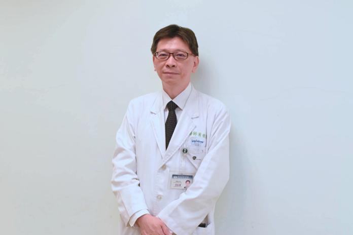 ▲台北慈濟醫院胸腔內科主治醫師黃俊耀。(圖/NOWnews攝)