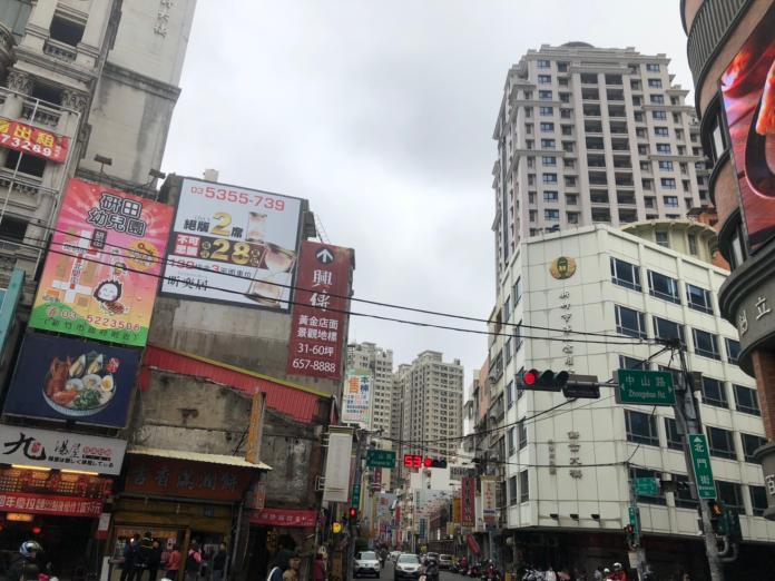▲東門市場鄰近台鐵新竹站前商圈,地段相當精華。(圖/信義提供)