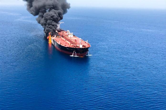 ▲中東海域13日傳出多起船遭受攻擊,其中包含台灣中油承租的石油腦貨油船,以及日本「國華產業」的化學品船。(圖/達志影像/美聯社)