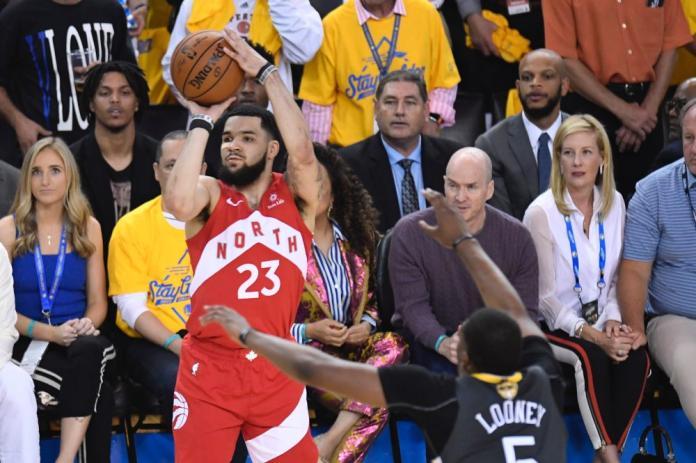 NBA/「范喬丹」<b>VanVleet</b>狂飆8記三分 暴龍首戰擊敗籃網