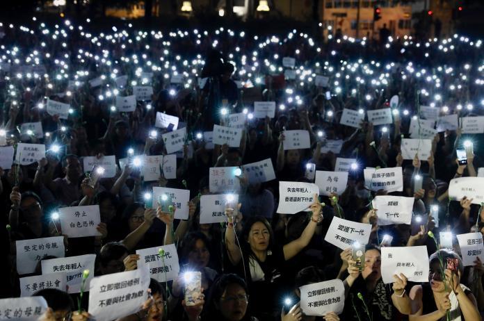 6000香港媽媽「反送中」 痛批林鄭是不及格的母親