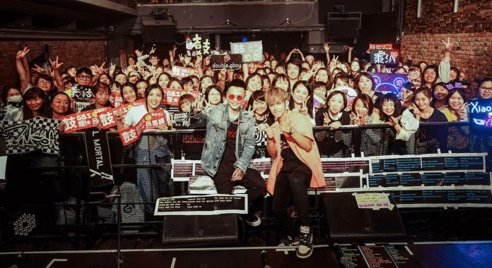蕭秉治合體鼓鼓東京開唱 「大咖女星」經過驚喜突擊