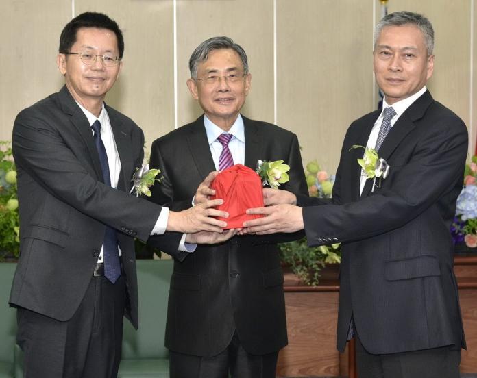 台灣港務公司總經理 陳劭良接任