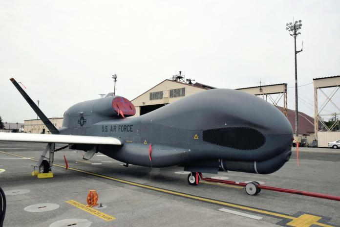 ▲一架美軍RQ-4全球鷹(Global Hawk)高空無人偵察機遭伊朗革命衛隊擊落。(圖/美聯社/達志影像)