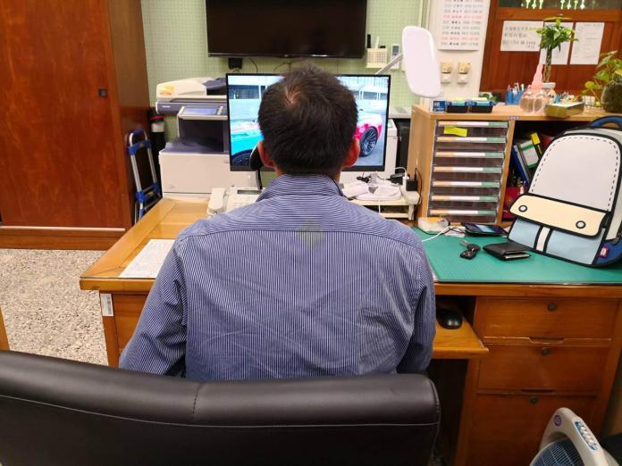 宜蘭縣警察局及環保局都有專人監看網路社群動態,若有與該局相關會主動進行查處