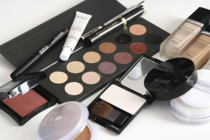 別丟!過期彩妝保養品也能起死回生 變身除濕劑、清潔劑
