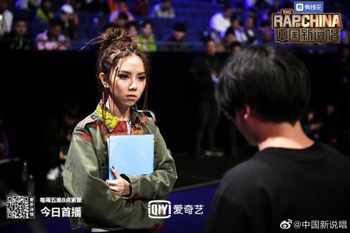 <br> ▲鄧紫棋在《中國新說唱2》自組戰隊,獨立面試選手。(圖/微博)